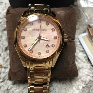 MICHAEL KORS ROse Gold Watch with pink Pearl dial